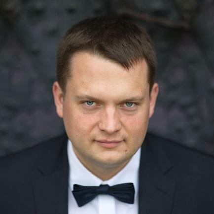 dr Przemysław Gaweł